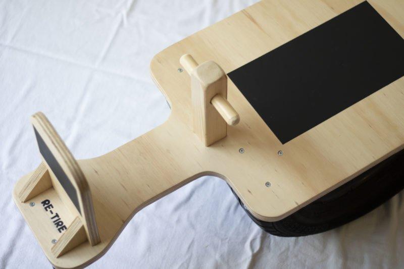 Re-Tire wipwap duurzaam speelgoed binnen Studio Perspective