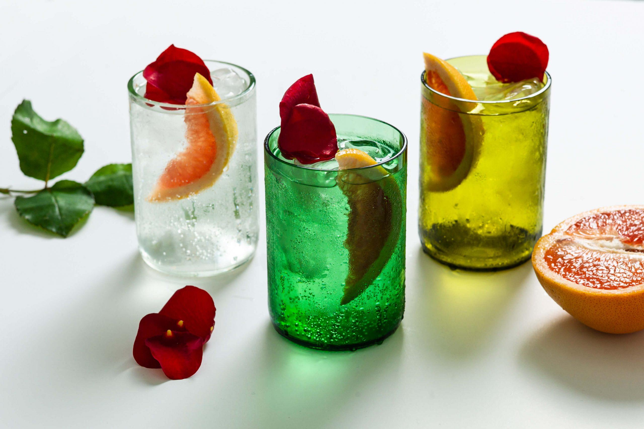 Rebottled glazen verschillende kleuren duurzaam design