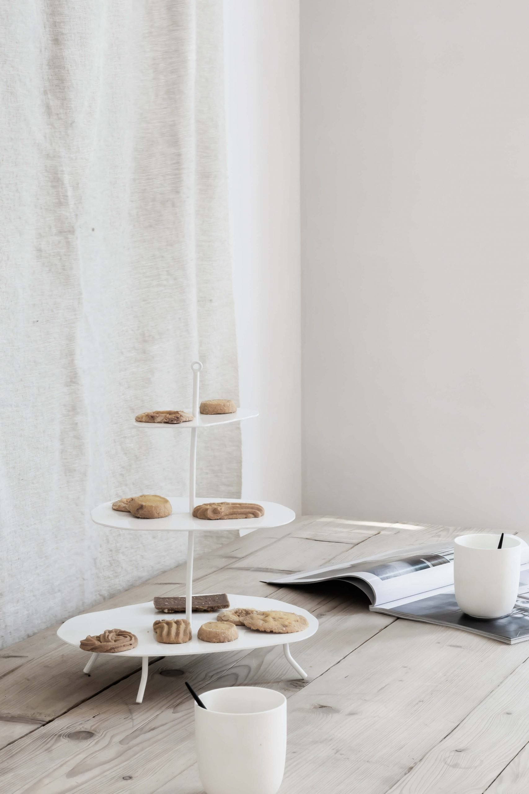 K'willeminhuis etagere zwart wit metaal design Studio Perspective