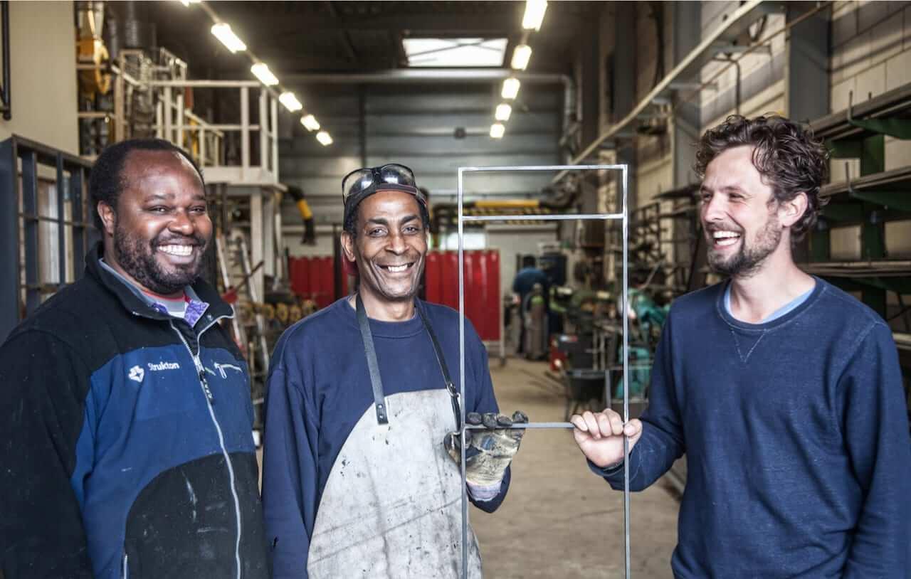 Nederlandse-ontwerpers-werken-samen-met-sociale-werkplaatsen