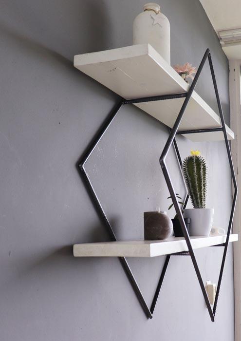 Wandrek metaal zwart wit kubus