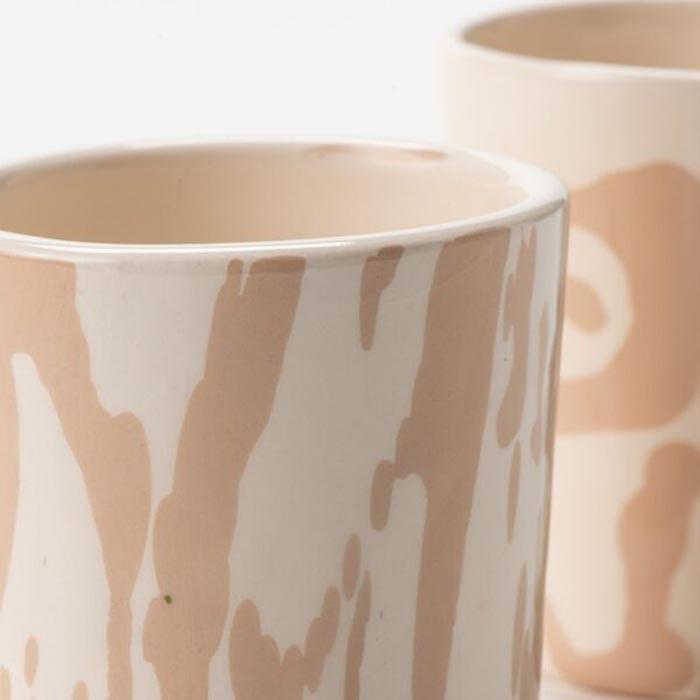 Koffiekopjes roze close up handgemaakt servies Studio Perspective