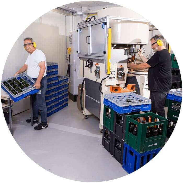 trainees Rebotteld Factory