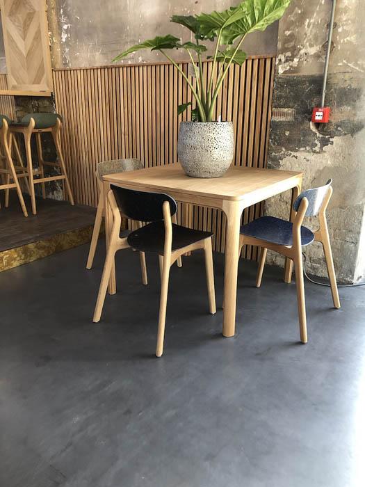 Eettafel Planq vierkant eikenhout