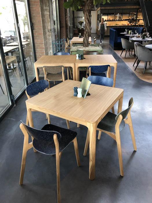 Planq tafels en stoelen projectinrichting